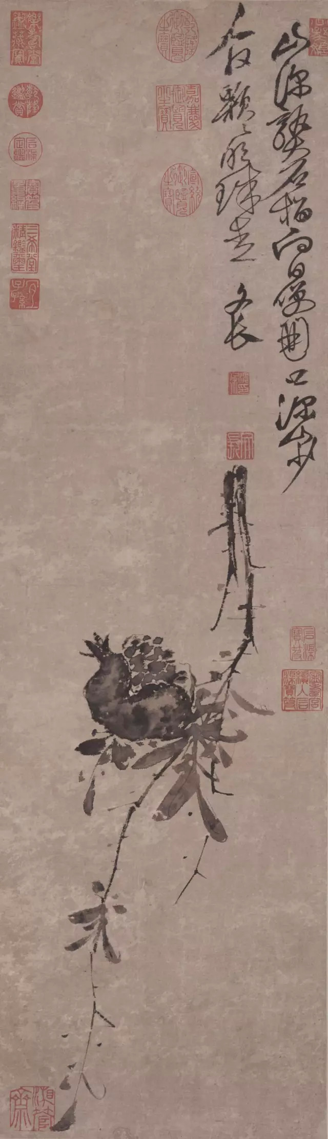 徐渭 榴实图 91.4×26.6cm 台北故宫博物院藏