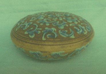 紫砂胎酱釉蓝花印泥小盒