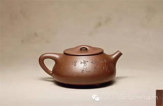 顾景舟制吴湖帆书江寒汀画大石瓢壶 成交价:RMB 28,175,000