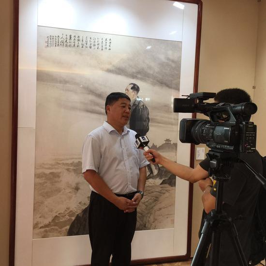 秦皇岛市文联主席李茂然接受采访