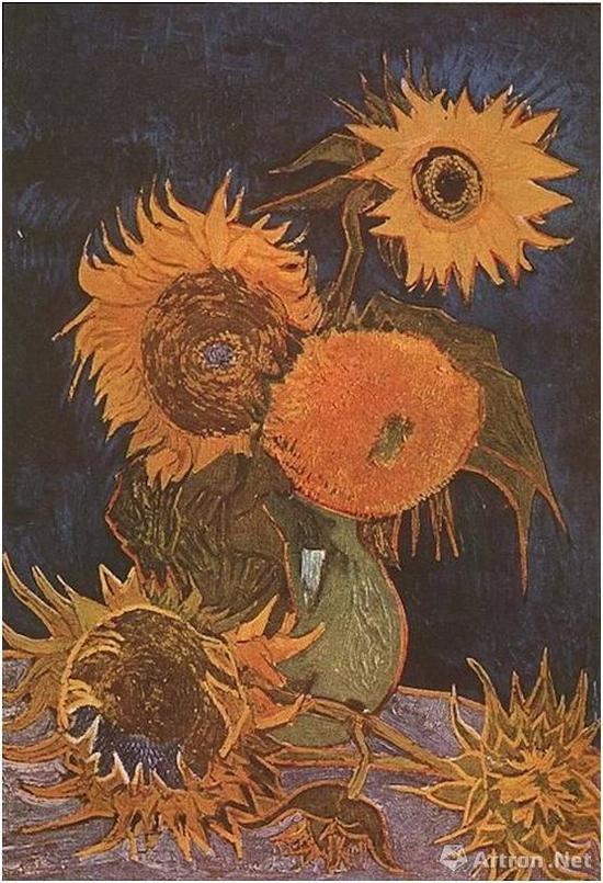 花瓶里的五朵向日葵