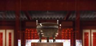 从周代文鼎到贴年画、写春联,国博呈现四千年新春文化